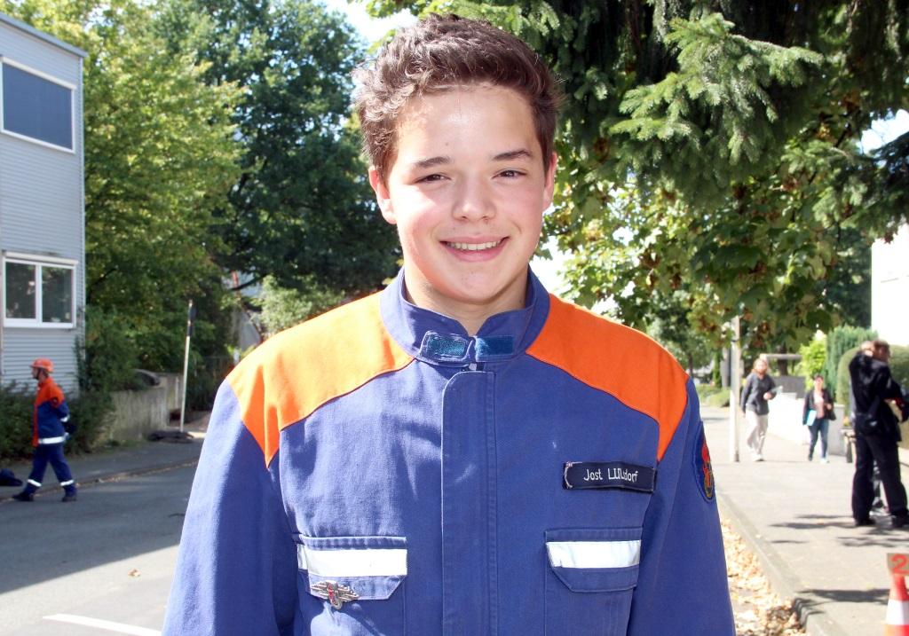 Jost Lülsdorf (17) aus Ohligs hat seine Leistungsspange bereits vor zwei Jahren erworben. Der junge Solinger ist mit Leib und Seele bei der Feuerwehr. (Foto: B. Glumm)