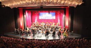 Rund 600 Besucher kamen zum Festakt anlässlich des Tags der Deutschen Einheit ins Theater und Konzerthaus. Die Bergischen Symphoniker luden zum Konzert ein. (Foto: B. Glumm)