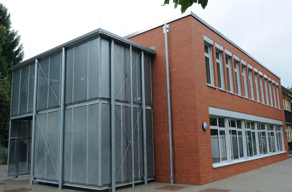 """Die Bauzeit für """"Haus K"""" betrug rund anderthalb Jahre. Auf zwei Etagen befinden sich vier Klassenräume, die ausschließlich von der Jahrgangsstufe 11 genutzt werden. (Foto: B. Glumm)"""