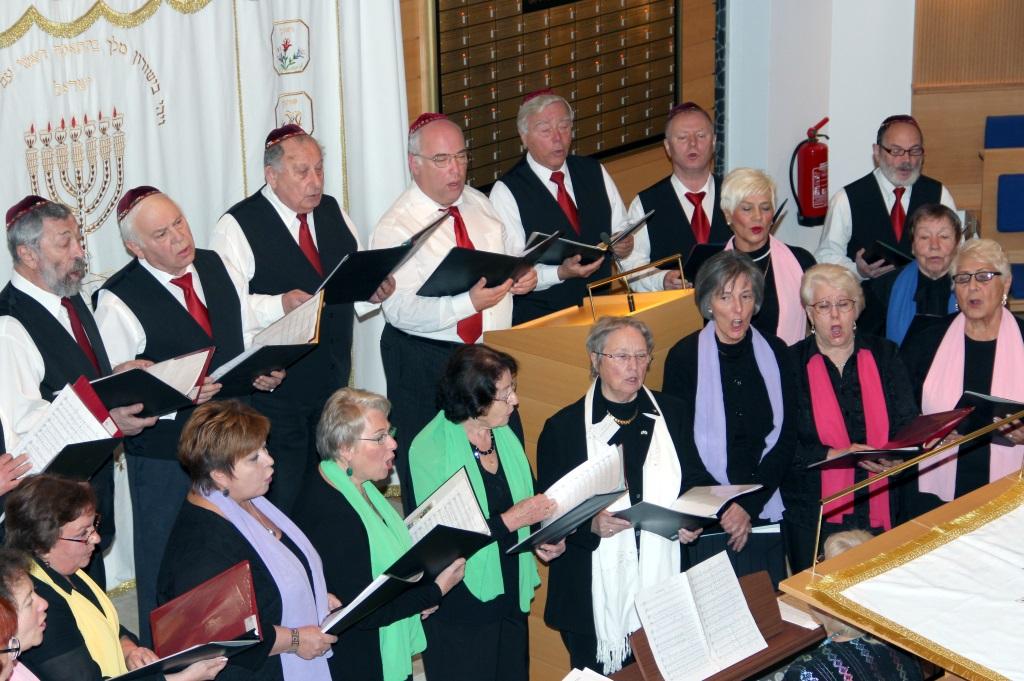 """Der Chor der Jüdischen Gemeinde """"Masel To"""" sorgte für den musikalischen Rahmen des Neujahrsempfangs. (Foto: B. Glumm)"""