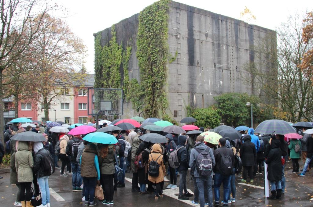 Die Nationalsozialisten zerstörten die Solinger Synagoge an der Malteser Straße und errichteten an gleicher Stelle einen Hochbunker. Dort findet jede Jahr am 9. November eine Gedenkveranstaltung an die Pogromnacht statt. (Foto: B. Glumm)