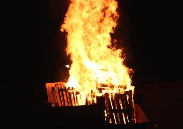 Wer ein Martinsfeuer plant, muss das Vorhaben mindestens 14 Tage vorher beim Stadtdienst Ordnung anmelden, teilt das Rathaus mit. (Archivfoto: © Bastian Glumm)