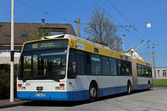 Der Verkehrsbetrieb der Stadtwerke Solingen hat derzeit 50 Obusse in drei Baureihen zugelassen. (Archivfoto: T. Oelbermann)