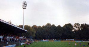 Kultstadion und langjährige Spielstätte von Union Solingen: Die Tage des Stadions am Hermann-Löns-Weg sind gezählt, demnächst rücken die Abrissbagger an. (Archivfoto: B. Glumm)
