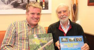Haben sich gesucht und gefunden: Matthias Kunde (Verleger, Pilot, Fotograf, li.) und Wolfhard Welzel. Die beiden bringen kommende Woche das Solingen Buch heraus. (Foto: B. Glumm)