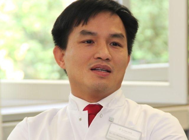 Dr. Gia Phuong Nguyen ist seit kurzer Zeit Chefarzt der Inneren Medizin – Gastroenterologie und Kardiologie an der St. Lukas Klinik. In wien hat er heute einen Vortrag gehalten. (Foto: B. Glumm)
