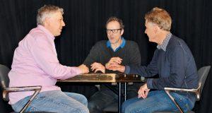 Vince Ebert im Gespräch mit den Initiatoren des Galileum Solingen, Guido Steinmüller und Dr. Frank Lungenstraß. (Foto: Sternwarte Solingen)