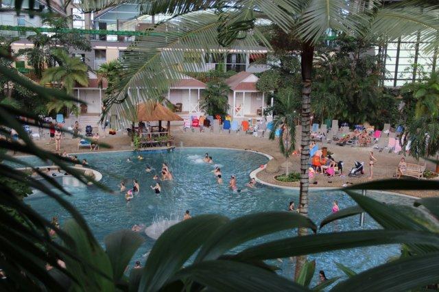 Unabhängig von Jahreszeiten und Wetter kann man in der subtropischen Ferienanlage