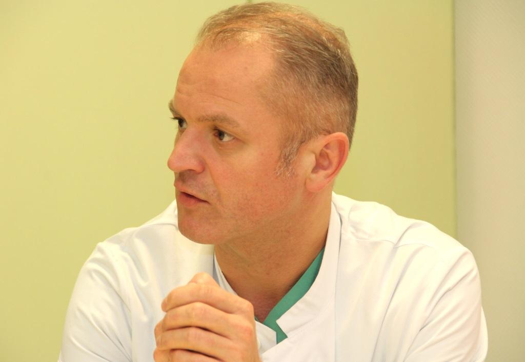 Prof. Dr. Andreas Sesterhenn ist Chefarzt der Klinik für HNO-Heilkunde, Kopf- & Halschirurgie am Städtischen Klinikum. Er sieht in der Kooperation mit der Praxisklinik im Südpark eine Win-Win-Situation für beide Partner. (Foto: B. Glumm)
