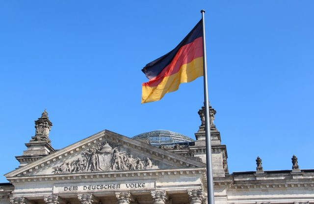 Der Berliner Reichstag. Auch in Solingen wird der Tag der Deutschen Einheit mit einem Festakt im Theater und Konzerthaus begangen. (Archivfoto: B. Glumm)