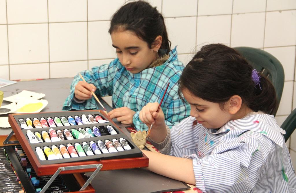 Zahlreiche Möglichkeiten zur kreativen Entfaltung bietet der Felix Kids-Club den vielen Kindern und Jugendlichen. Man hofft, demnächst wieder an mehreren Tagen in der Woche öffnen zu können. (Foto: B. Glumm)