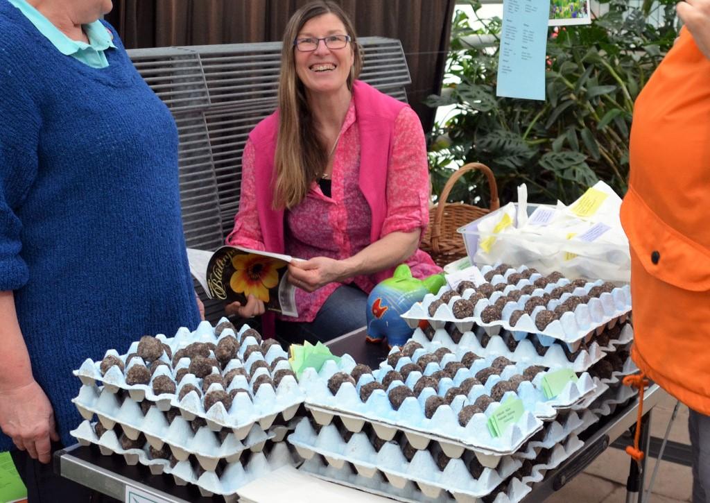Andrea Börner informierte über die erstmals angebotenen Samentrüffel. (Foto: © Martina Hörle)