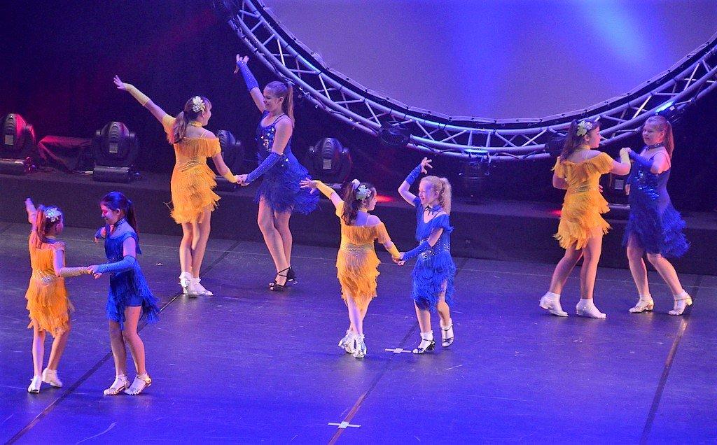 Zu den Darbietungen gehörten auch Standard- und Lateinamerikanische Tänze. (Foto: © Martina Hörle)