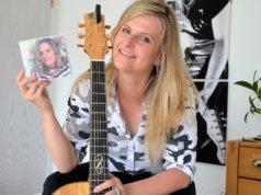 Sängerin Teneja geht auf ihrer neuen CD ungewohnte Wege. Sie hat die deutschsprachigen Songs für sich entdeckt und ihren facettenreichen Gesang durch eine neue Seite erweitert. (Foto: © Martina Hörle)