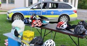 Im Rahmen der Verkehrsunfallprävention gab es Anfang der Woche im Südpark zahlreiche beeindruckende Aktionen rund um den Fahrradhelm. (Foto: © Martina Hörle)