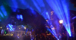 Die Lichtschau war das Highlight des Abends. Die Klänge von Pink Floyd und Tschaikowsky waren eindrucksvoll in Lichteffekte umgesetzt worden. (Foto: © Martina Hörle