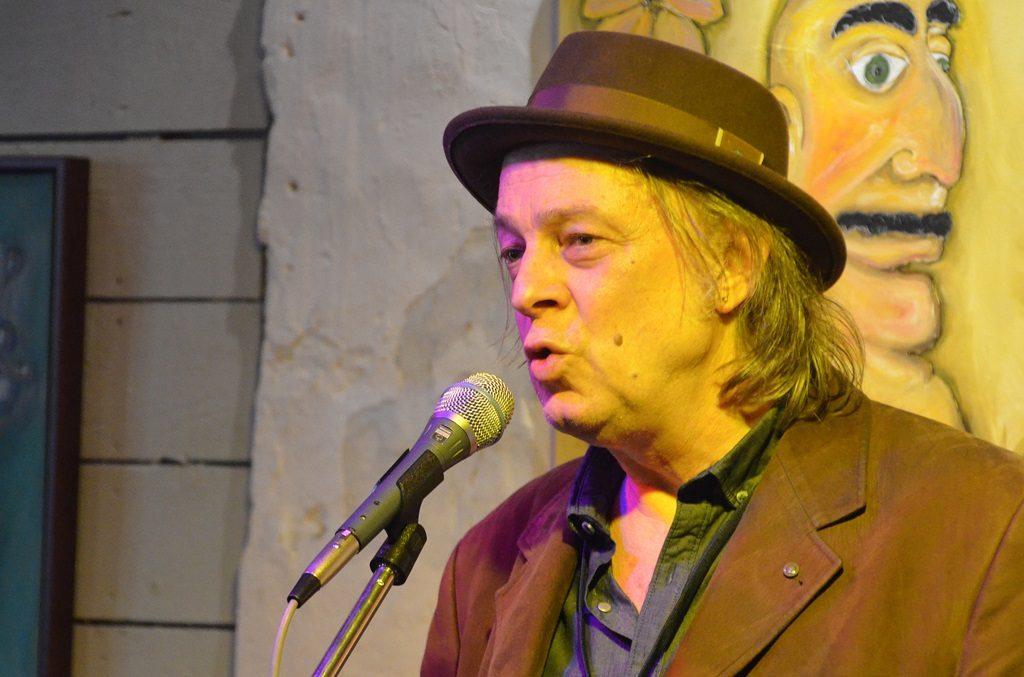 Der Solinger Guido Ocker hat zahlreiche Kontakte zu holländischen Veranstaltern und holt oft Künstler zu Veranstaltungen nach Solingen. (Foto: © Martina Hörle)