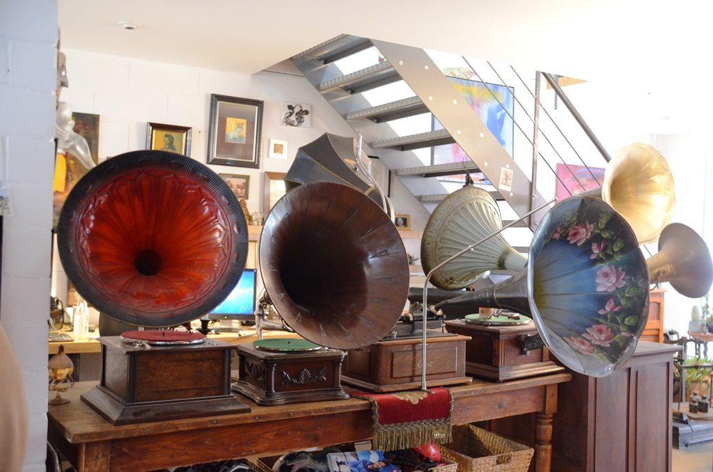 Diese historischen Musikmaschinen sind in der Werkstatt von Peter Amann zu besichtigen. Der Kölner Jürgen Haase hat davon bereits etwa 100 Stück. (Foto: © Martina Hörle)
