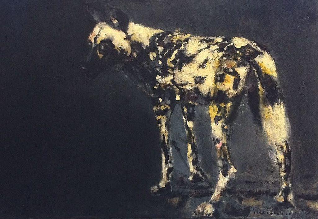 Der afrikanische Wildhund ist eines der Motive, das den Künstler sehr stark angesprochen hat. Das Bild hängt derzeit im Fenster der Galerie. Eine Abbildung davon ist auch in Jacobs Monografie vorhanden. (Foto: © Veranstalter)