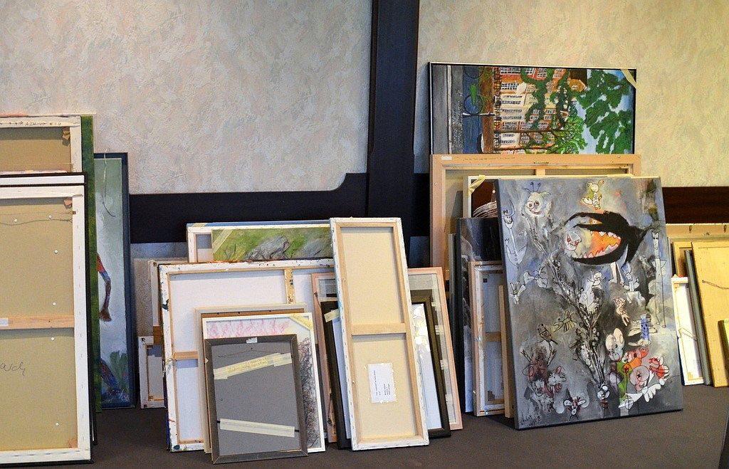 Über 100 Künstler beteiligen sich an der diesjährigen Ausstellung. Ein Drittel von ihnen kommt aus Wuppertal. Die gezeigten Werke sind nicht älter als zwei Jahre. (Foto: © Martina Hörle)