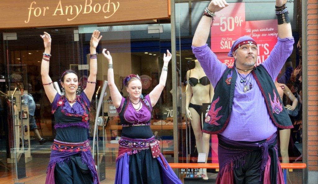 Baghira, die Tanzgruppe aus dem Raum Bonn, zeigte den Tribal Style Dance, eine Kunsttanzform, die Elemente aus der orientalischen, nordafrikanischen und indischen Region zu einem eigenen Stil verbindet. (Foto: © Martina Hörle)