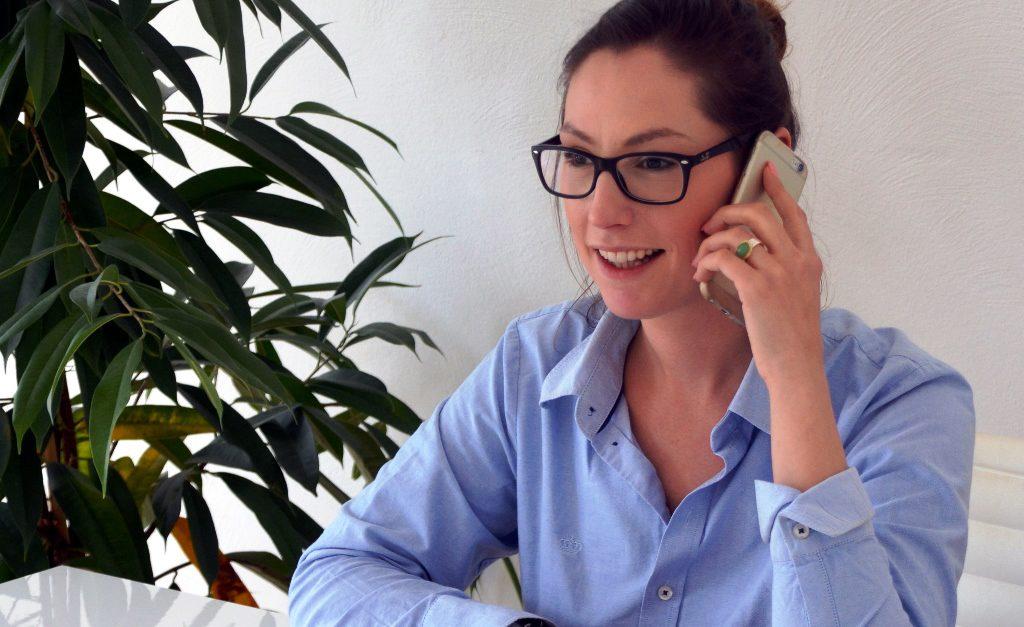 Sonja Presse hat den Entschluss zur beruflichen Veränderung nicht bereut. Mit ihrer jetzigen Arbeit ist sie sehr glücklich. Außerdem fühlt sie sich im Stadtteil Gräfrath sehr wohl. (Foto: © Martina Hörle)