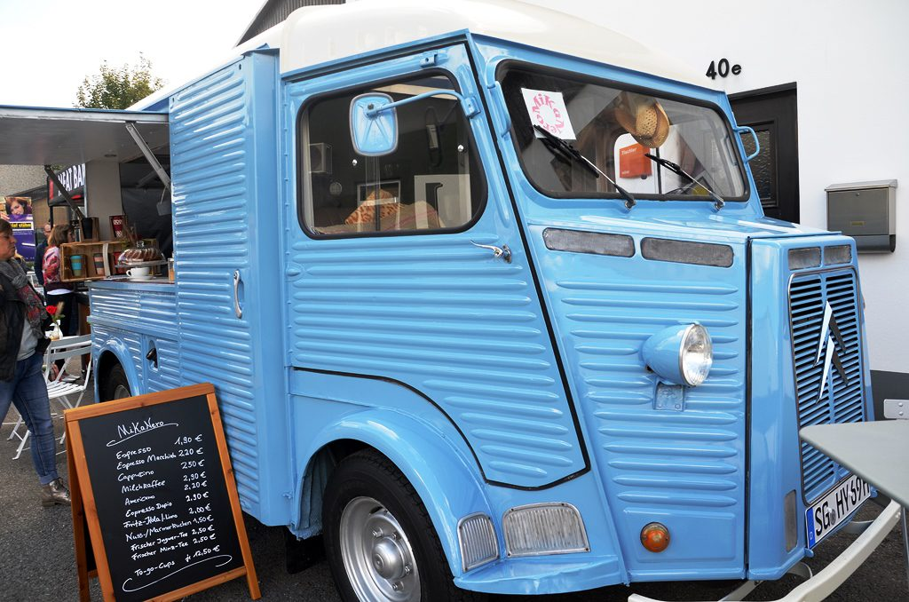 Ihr Bruno ist ein hellblauer Citroën HY-Oldie, Baujahr 1966. Gefunden hat Michaela Groß ihn im Internet. Es war Liebe auf den ersten Blick. (Archivfoto: © Martina Hörle)