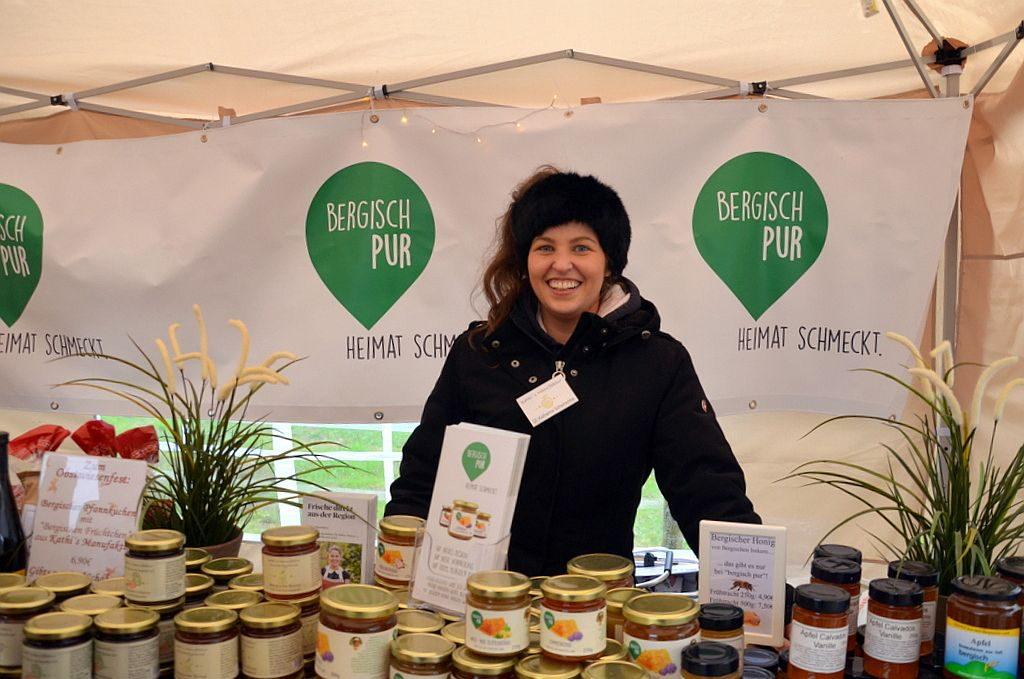 Auch am Stand von Katharina Schwirschke (Kathi's Manufaktur) fanden Besucher viele regionale Köstlichkeiten. (Foto: © Martina Hörle)