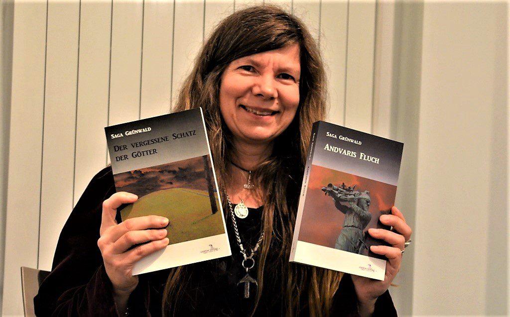 """Mit """"Andvaris Fluch"""" ist Saga Grünwald eine hervorragende Fortsetzung des ersten Bandes """"Der vergessene Schatz der Götter"""" gelungen. Weitere Bände sind in Arbeit. (Foto: © Martina Hörle)"""