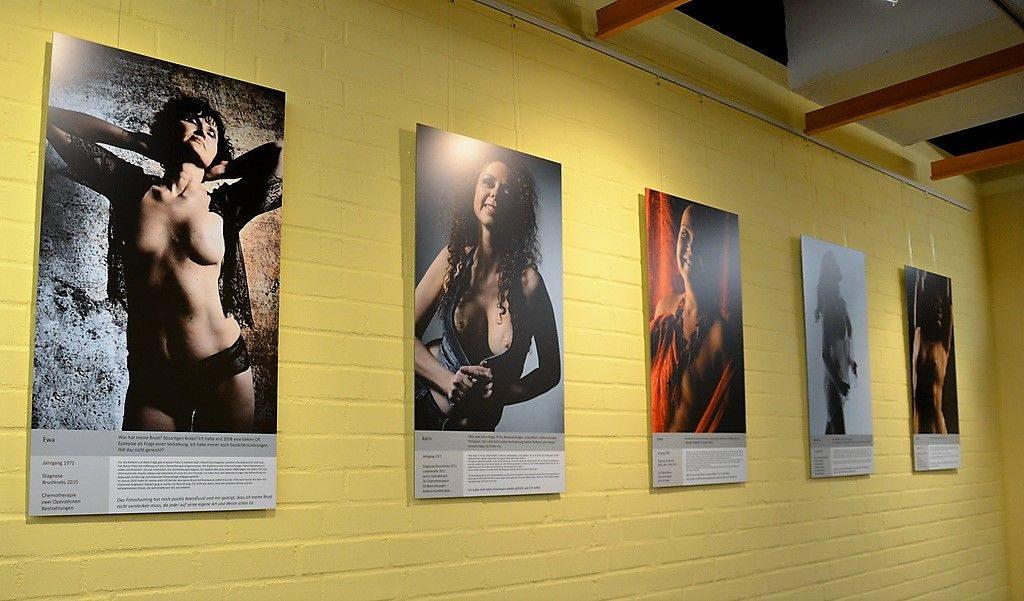 """20 Frauen haben sich dem Projekt """"Veränderungen"""" angeschlossen. Ihre Bilder können in den Ausstellungen besichtigt werden. Unter jedem Bild gibt es ein paar kurze Informationen zu den jeweiligen Models. (Foto: © Martina Hörle)"""