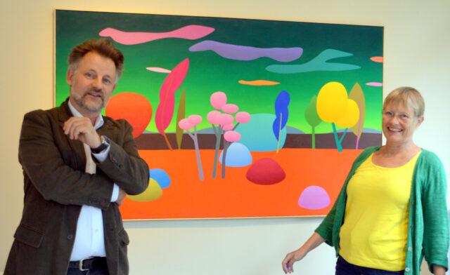 Galerist Dirk Balke und Künstlerin Julia Steinberg freuen sich auf die kommende Ausstellung. (Foto: © Martina Hörle)