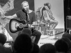 Huey Colbinger, Singer & Songwriter, macht auf seiner Tour auch in Solingen Station. Am 1. März ist er im Atelier AndersARTig zu hören. (Foto: © Veranstalter)