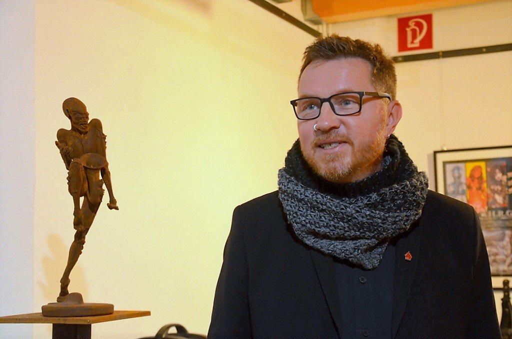 Privatsammler Jörg Czwikla freut sich über den großartigen Erfolg der Ausstellung. (Foto: © Martina Hörle)