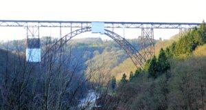Die Müngstener Brücke ist Deutschlands höchste Eisenbahnbrücke. Zu ihren Füßen liegt der Brückenpark Müngsten. (Foto: © Martina Hörle)