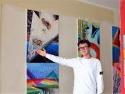 Der achtzehnjährige Künstler David Cira zeigt in der city-art-Gastgalerie (ehemals Segafredo) in seiner ersten Solo-Ausstellung 14 Werke, mit denen er die Besucher in imaginäre Welten entführt. (Foto: © Martina Hörle)