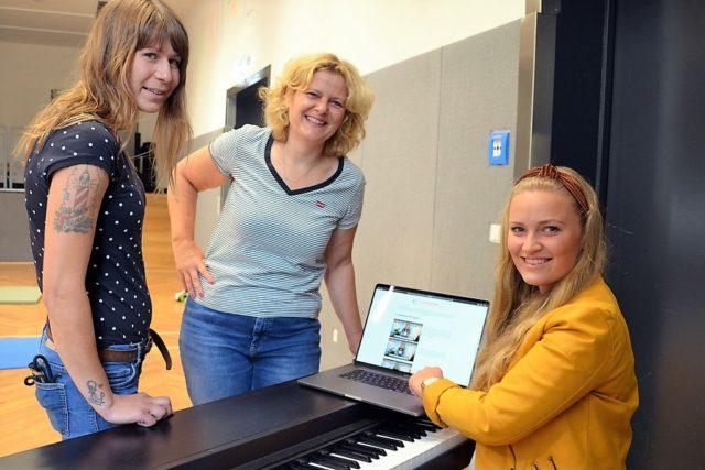 Das Pilotprojekt geht an den Start. (v. li.) Patricia Bennertz, Patricia Stute und Luisa Skrabic sind schon sehr gespannt. (Foto: © Martina Hörle)