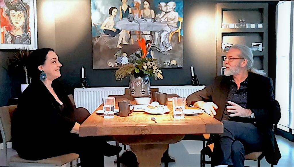In einer lockeren Unterhaltung plaudern Janine Werner und Ingo Schleutermann über die Entstehung des Namens AndersARTig. (Foto: © Ute Puslat)