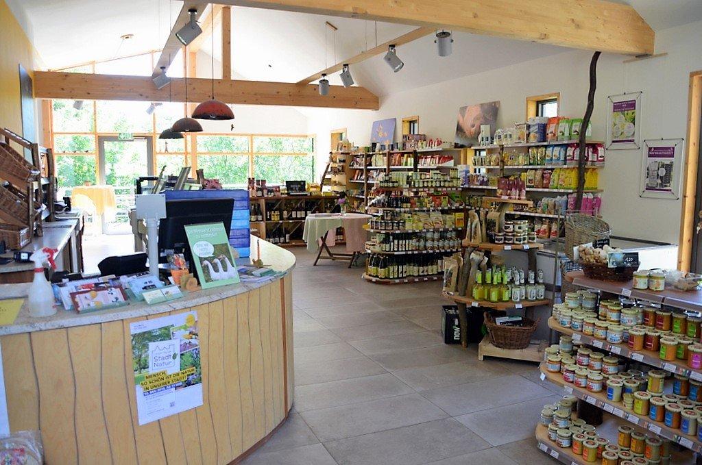 """Im Hofladen """"Et Höffken"""", dem Refugium von Julia Höffken, werden auf über 100 Quadratmetern zum großen Teil eigene Produkte angeboten. (Foto: © Martina Hörle)"""