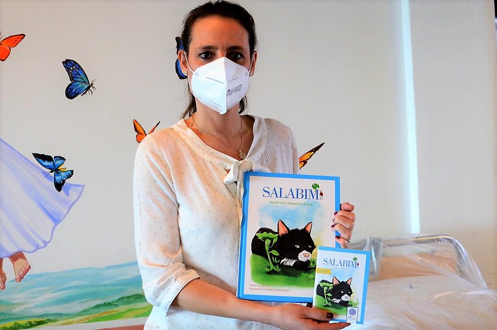 Dipl.-Psychologin Sandra Kratz vom SPZ ist von dem Buch begeistert und hat auch gleich einen Leitfaden dazu geschriebene. (Foto: © Martina Hörle)