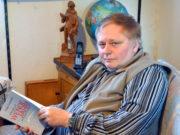 """Im gleichen Jahr, in dem sich die demokratische Revolution in der DDR zum dreißigsten Mal jährt, ist Kay Ganahls Roman """"Henrys Wendejahre. Roman eines Werdegangs"""" erschienen. Er erzählt von dem Schicksal eines Jungagenten der Stasi. (Foto: © Martina Hörle)"""