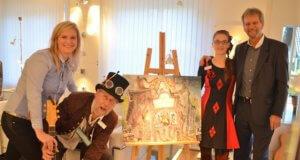 Freuen sich über den schönen Erfolg der Ausstellung (v. li. Teneja, Lothar Ruthmann, Saskia Bela, Slavko Skrget) (Foto: © Martina Hörle)