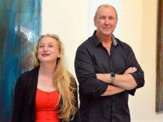 """Christa Huberty und Peter Wischnewski stellen zum ersten Mal gemeinsam aus. Ihre vielfältigen Arbeiten aus Fotodesign und Malerei tragen den Titel """"Kontraste"""". (Foto: © Martina Hörle)"""