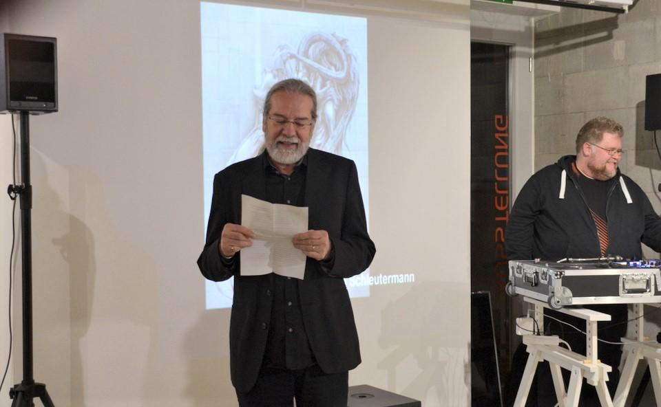 Ingo Schleutermann erklärte in einer kurzen Ansprache die Gründe, die zu der Namenänderung geführt hatten. (Foto: © Martina Hörle)