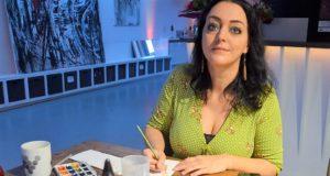 Janine Werner vom Atelier AndersARTig verwandelt Streichholzschachteln in bezaubernde kleine Kunstschachteln. Neben ihren eigenen Motiven bietet sie auch Auftragsarbeiten an. (Foto: © Martina Hörle)