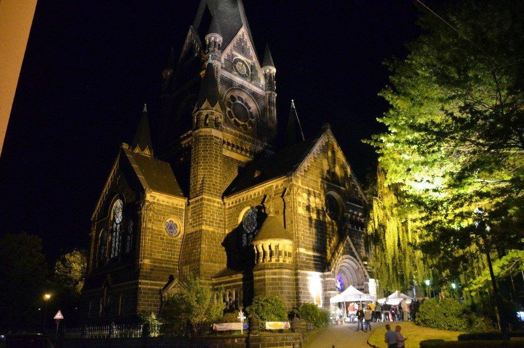 Viele Besucher nutzten die Gelegenheit und statteten der Lutherkirche ebenfalls einen Besuch ab. Auch hier konnte man zahlreiche musikalische Darbietungen genießen. (Foto: © Martina Hörle)