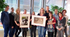 Die Mitarbeiterinnen und Mitarbeiter der Stadtbibliothek freuen sich, ihre Lieblingsfotos einmal öffentlich zeigen zu dürfen. (Foto: © Martina Hörle)