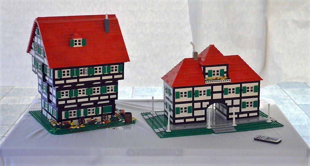 Der Legokünstler träumt von einem bergischen Dorf mit Bahnhof und Müngstener Brücke. (Foto: © Martina Hörle)