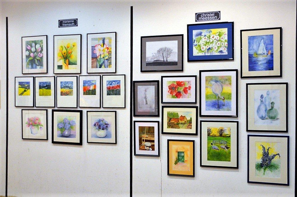 Die Ausstellung ist eine bunte Mischung aus Aquarell- und Acrylarbeiten sowie einer Reihe anderer Techniken. (Foto: © Martina Hörle)