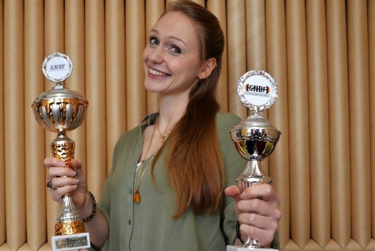 Die junge Athletin Nadine Vomm bestand vor drei Monaten erfolgreich gleich mehrere Wettkämpfe. Neben der Österreichischen Meisterschaft und dem Gesamtsieg Frauen gewann sie ebenfalls die Deutsche Meisterschaft und wurde obendrein auch noch Vizeweltmeisterin in Miami. (Foto: © Martina Hörle)