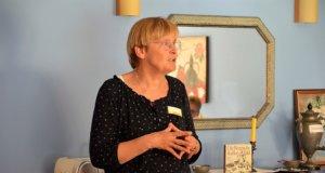 Koordinatorin und Palliativfachkraft Hannelore Schmid vom Palliativen Hospiz Solingen hielt einen interessanten Vortrag zu Vorsorgevollmacht und Patientenverfügung. (Foto: © Martina Hörle)